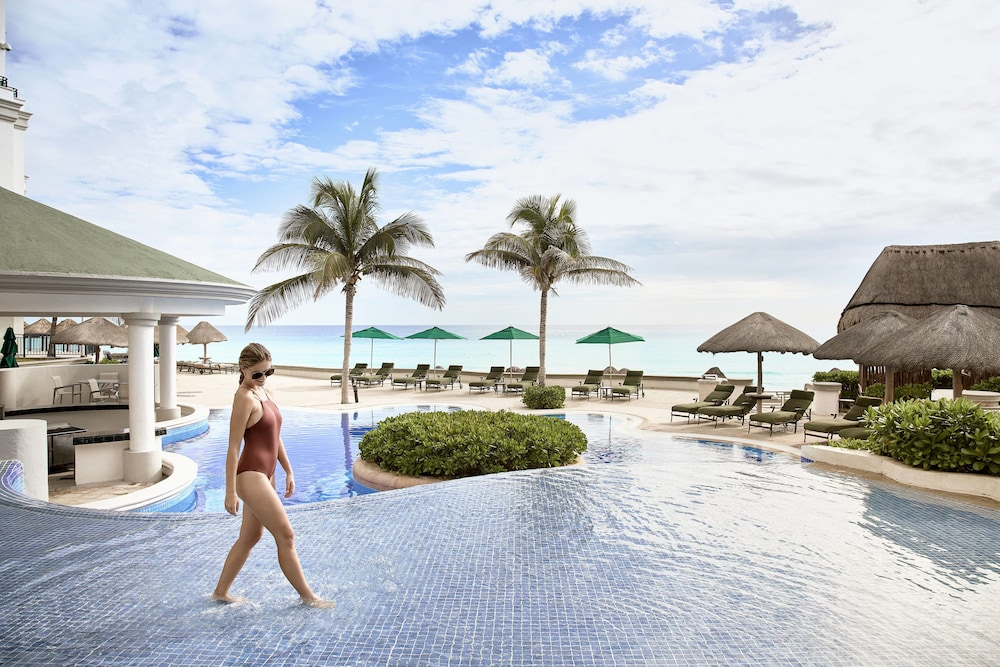 Outdoor Pool, JW Marriott Cancun Resort & Spa