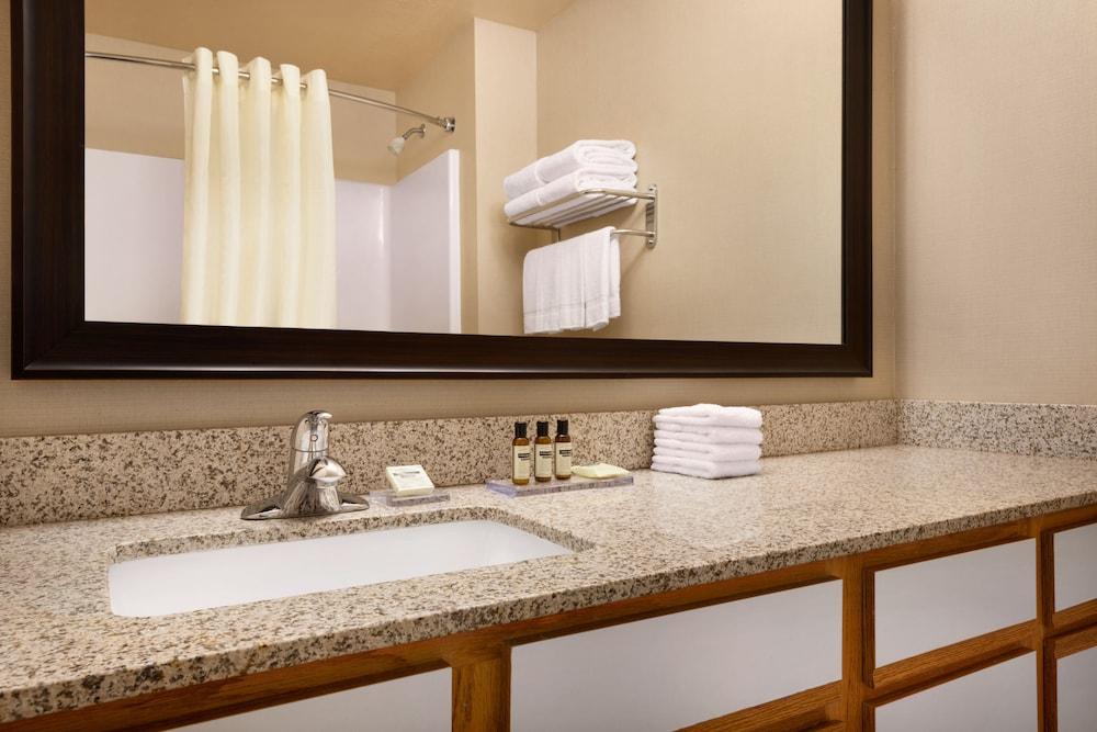 Hawthorn Suites By Wyndham Oak Creek Milwaukee Airport In