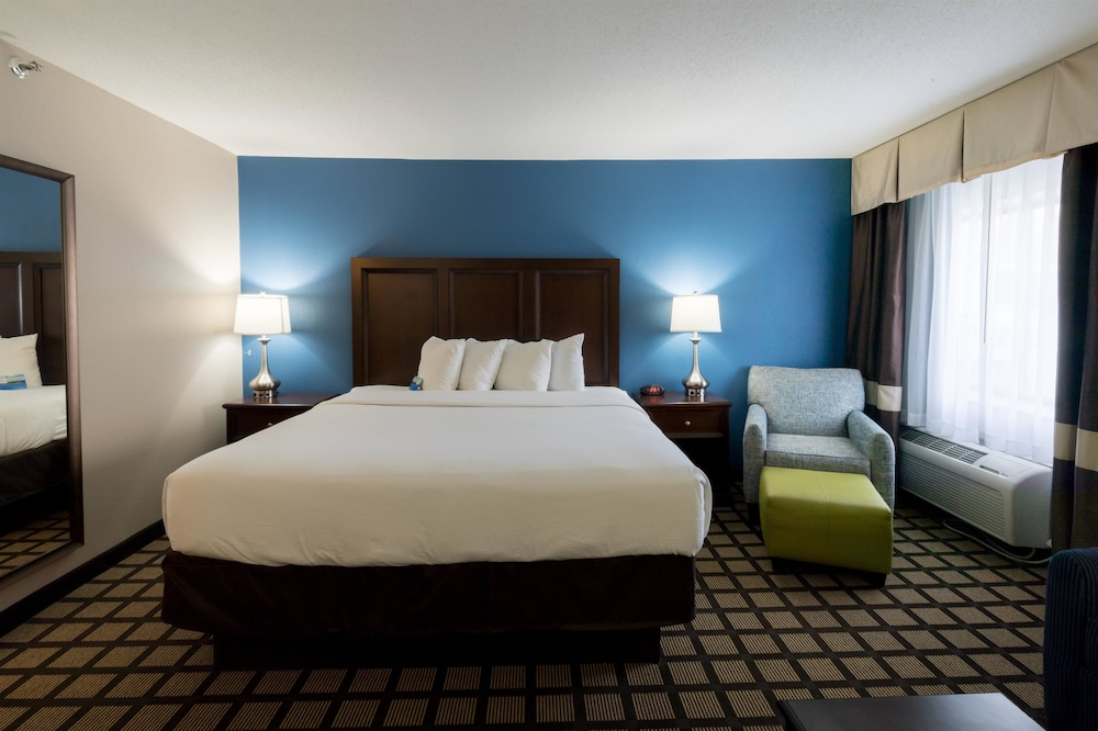 Room, Baymont by Wyndham Detroit Airport/Romulus