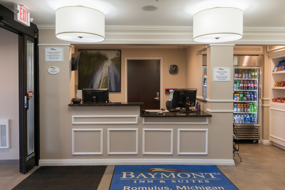 Reception, Baymont by Wyndham Detroit Airport/Romulus