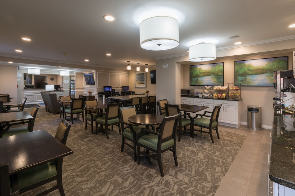 Food and Drink, Baymont by Wyndham Detroit Airport/Romulus