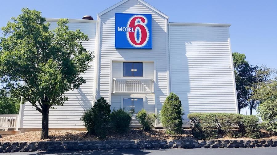Motel 6 Maryland Heights, MO