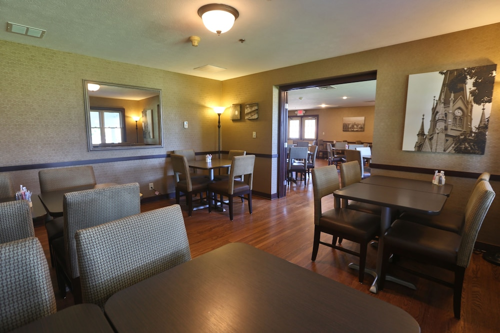 Dining, Ivy Court Inn & Suites