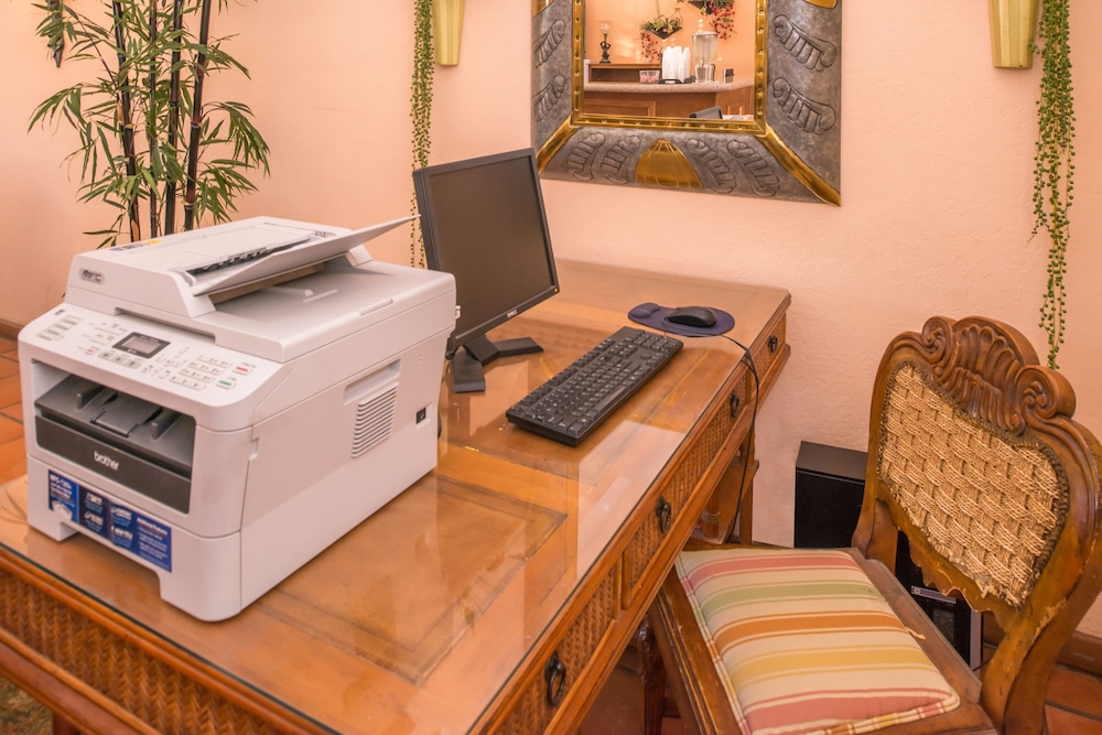 Business Center, La Fuente Inn & Suites