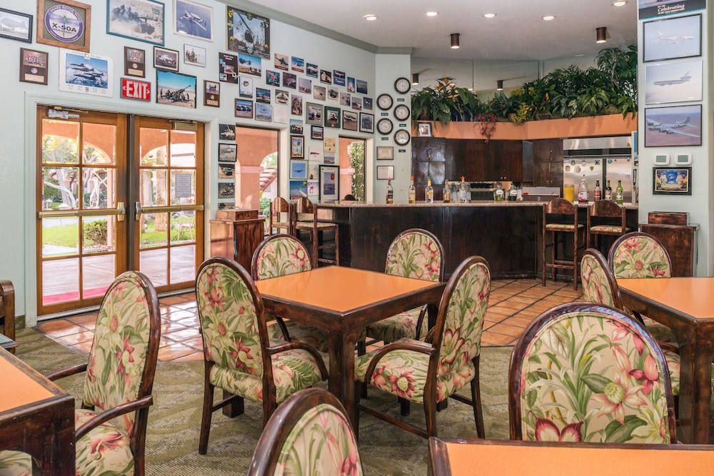 Lounge, La Fuente Inn & Suites