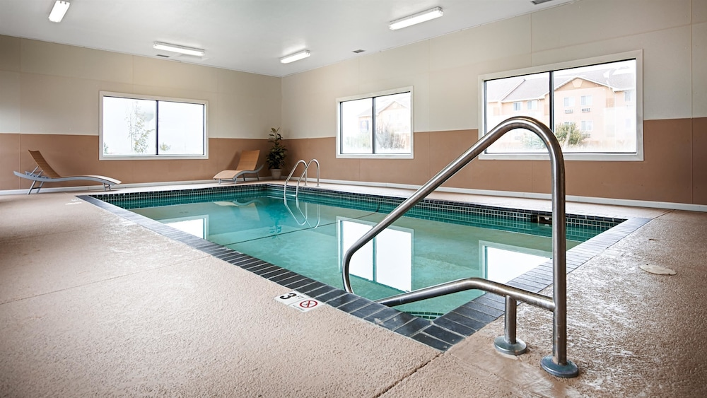 Indoor Pool, Best Western Mt. Pleasant Inn