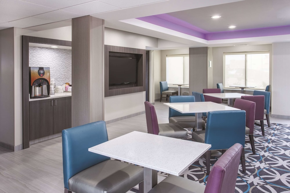 Property Amenity, La Quinta Inn & Suites by Wyndham Effingham