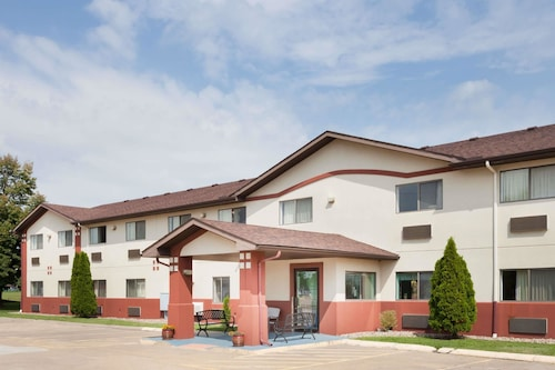 Check Expedia for Availability of Super 8 by Wyndham Washington/Peoria Area