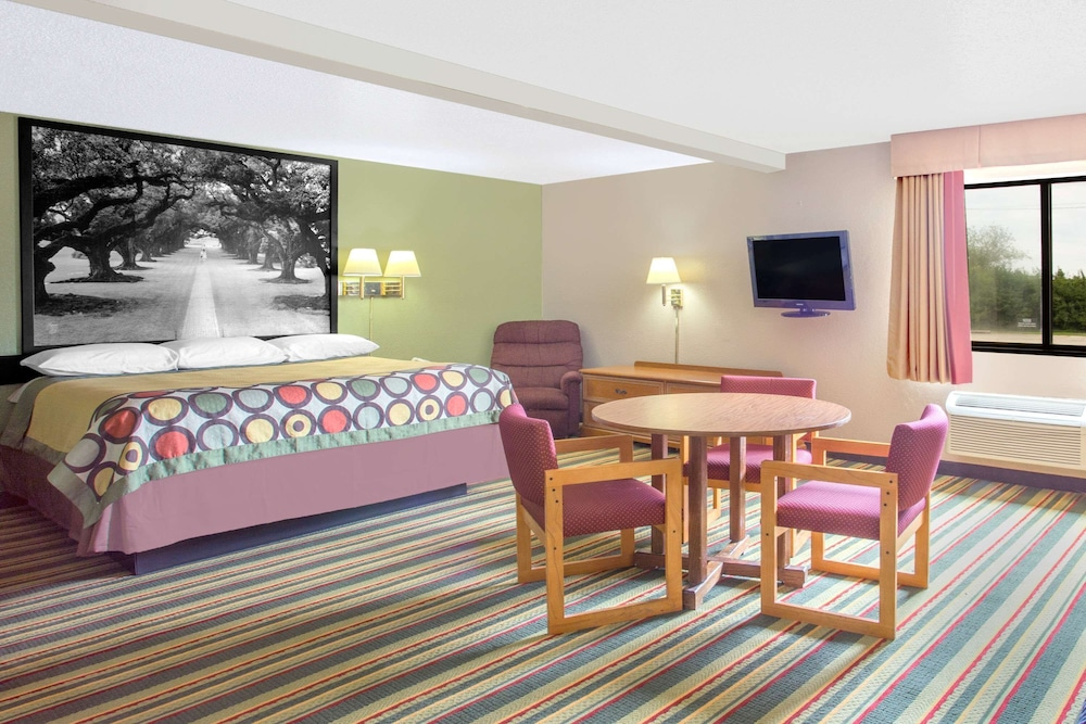 Room, Super 8 by Wyndham Champaign