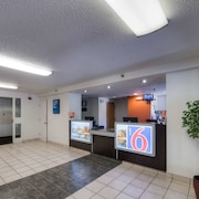 Motel 6 New Haven - Branford, CT