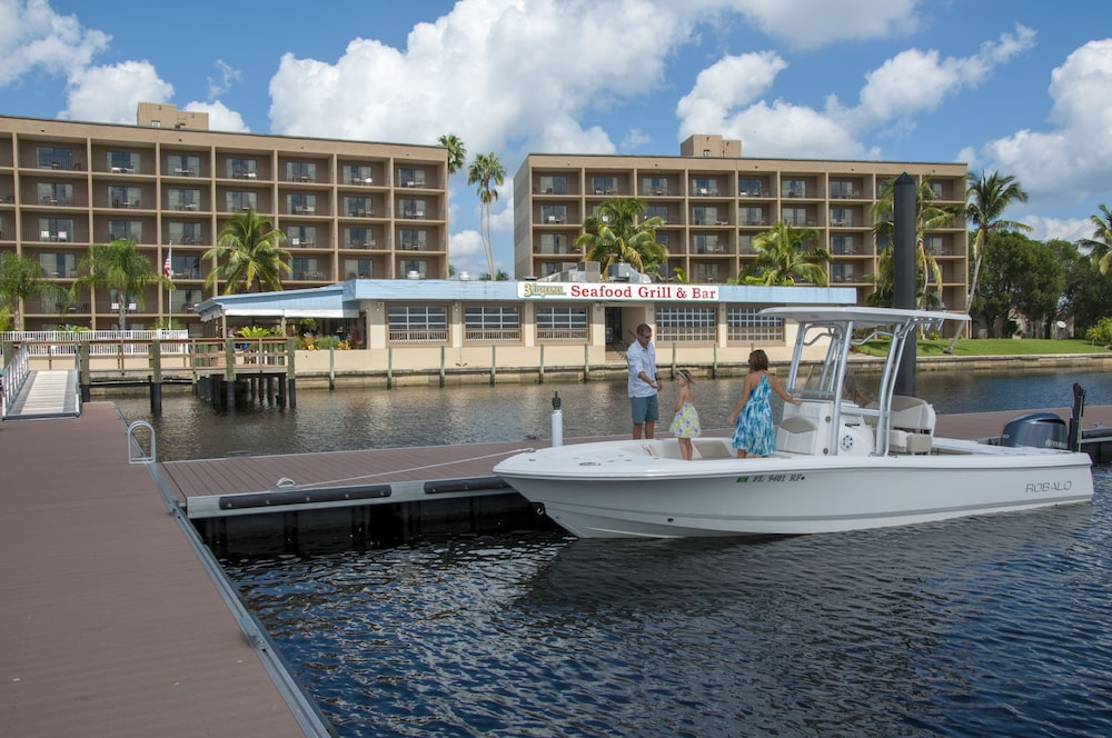 Boating, Best Western Fort Myers Waterfront