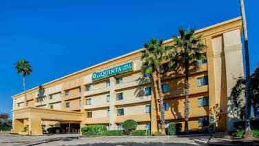 La Quinta Inn & Suites by Wyndham Houston Baytown East