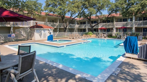Motel 6 Addison, TX - Dallas