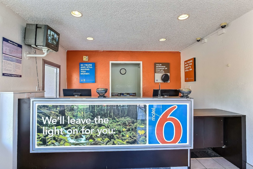 Reception, Motel 6 Pleasanton, CA