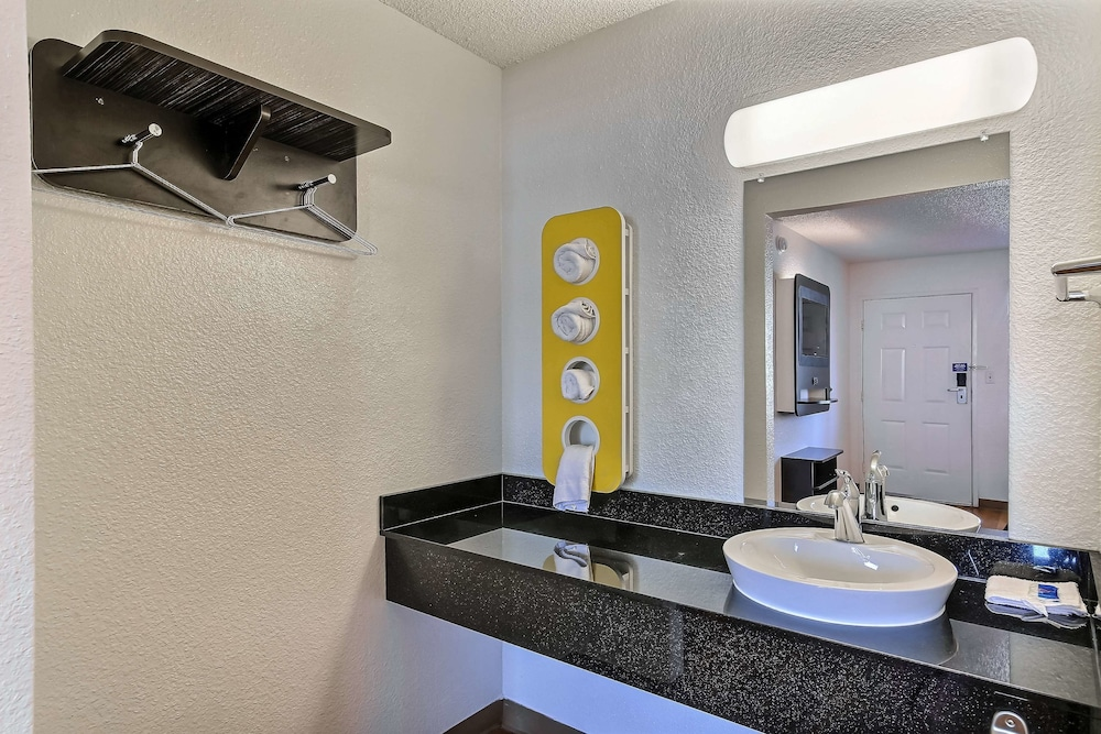 Bathroom, Motel 6 Pleasanton, CA