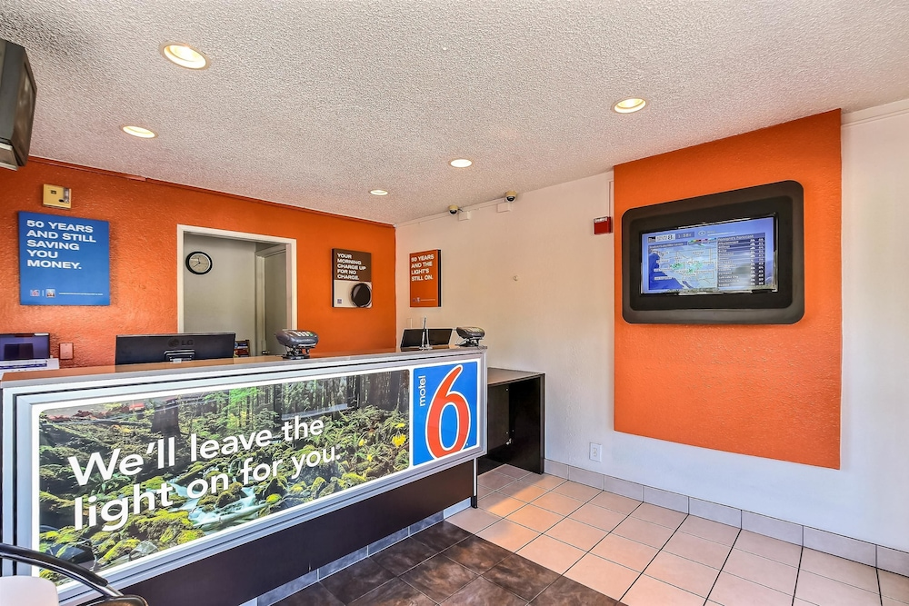 Lobby, Motel 6 Pleasanton, CA