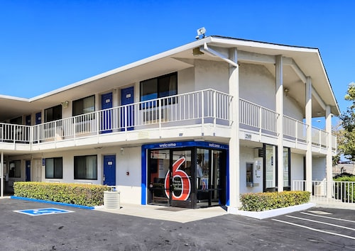 Motel 6 Walnut Creek, CA