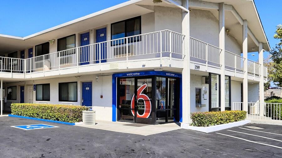Motel 6 Walnut Creek, CA