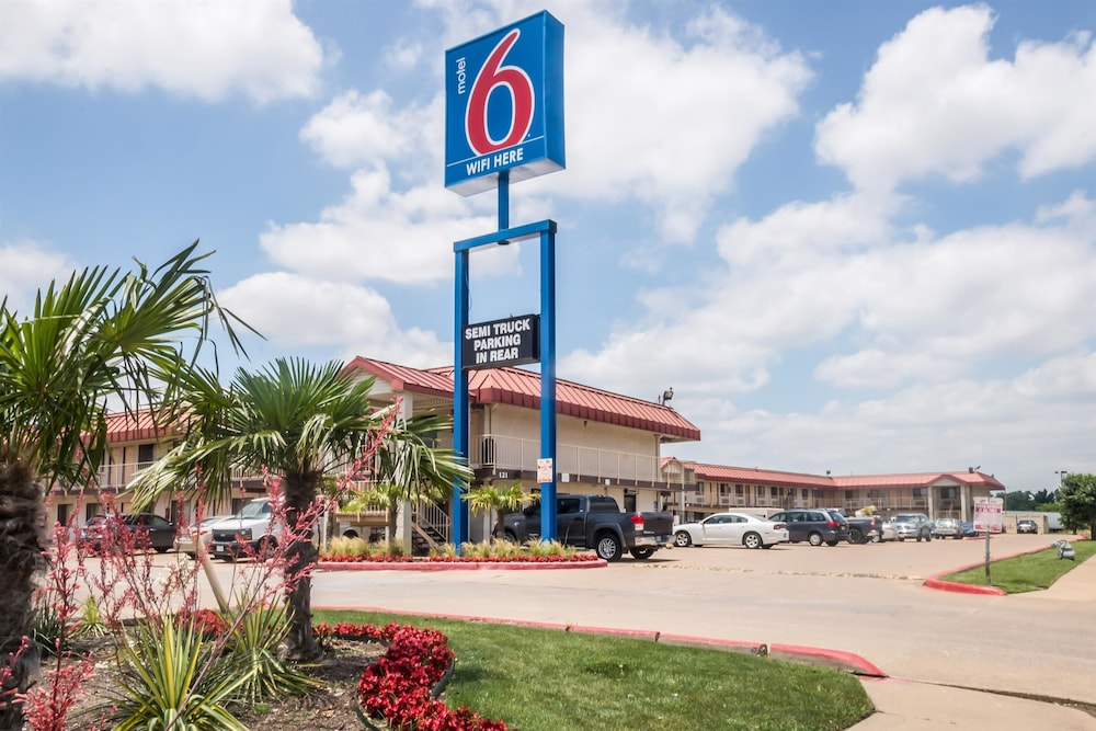 Motel 6 Mesquite, TX Rodeo - Convention Ctr in Mesquite | Cheap
