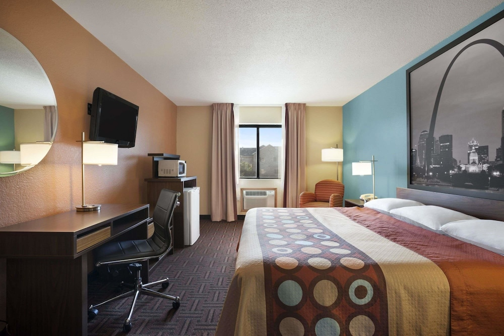 Room, Super 8 by Wyndham Collinsville St. Louis