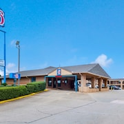 Motel 6 Marshall TX