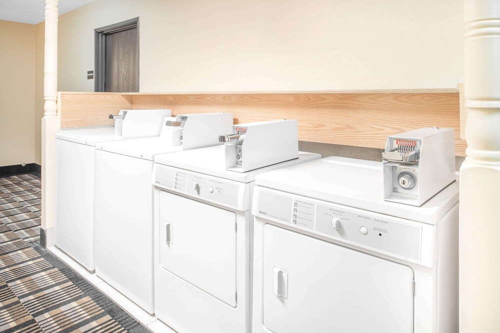 Laundry Room, Super 8 by Wyndham Terre Haute