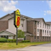 Super 8 by Wyndham Clawson/Troy/Detroit Area