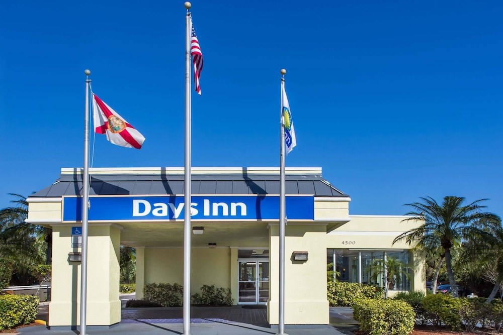 Exterior, Days Inn by Wyndham Melbourne