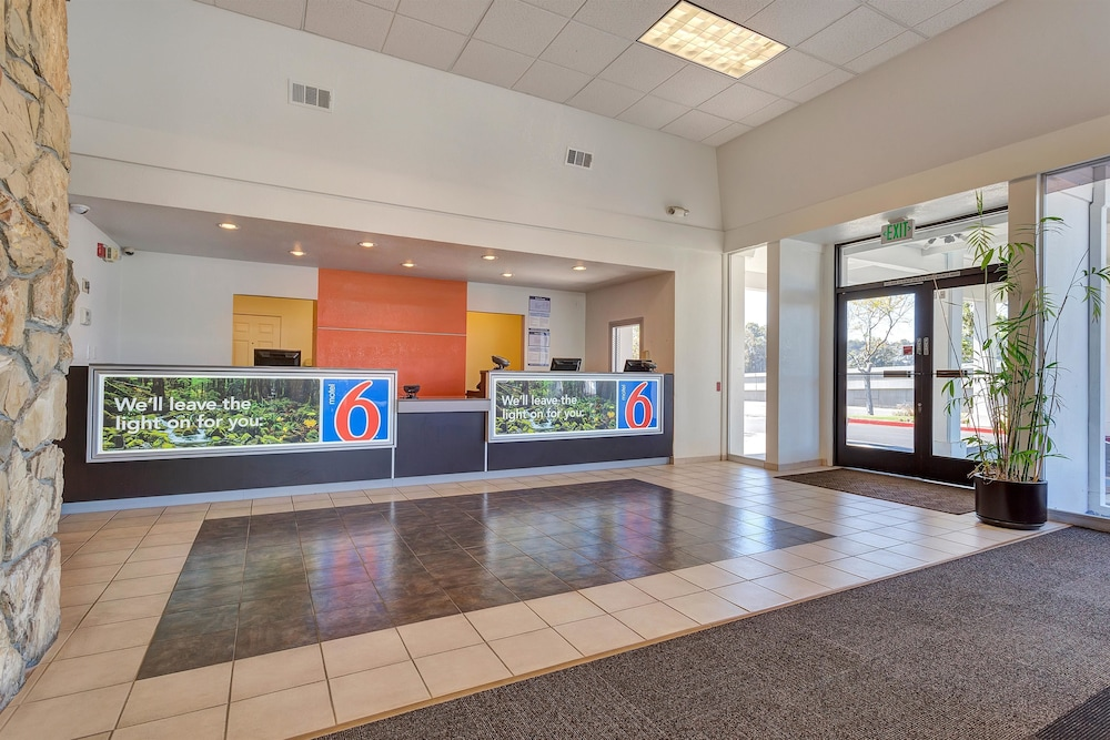 Lobby, Motel 6 Belmont, CA - San Francisco - Redwood City