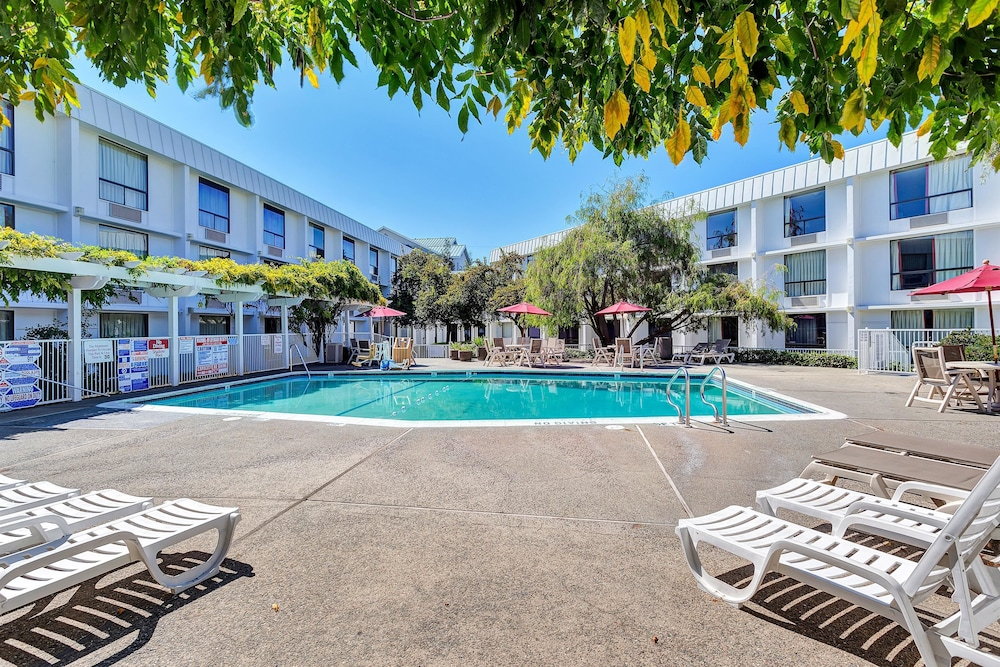 Featured Image, Motel 6 Belmont, CA - San Francisco - Redwood City