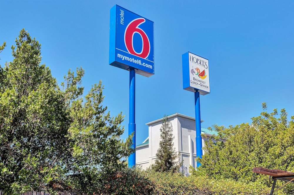 Exterior, Motel 6 Belmont, CA - San Francisco - Redwood City