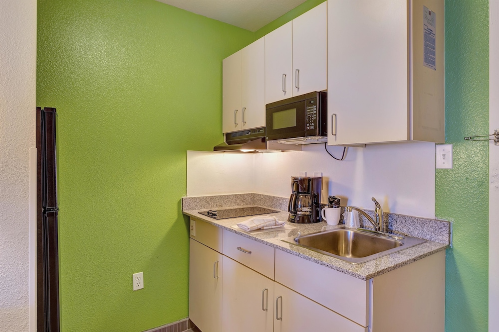 Private Kitchen, Motel 6 Belmont, CA - San Francisco - Redwood City