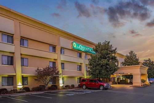 La Quinta Inn & Suites by Wyndham N Little Rock-McCain Mall