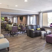 La Quinta Inn & Suites by Wyndham Baton Rouge Siegen Lane
