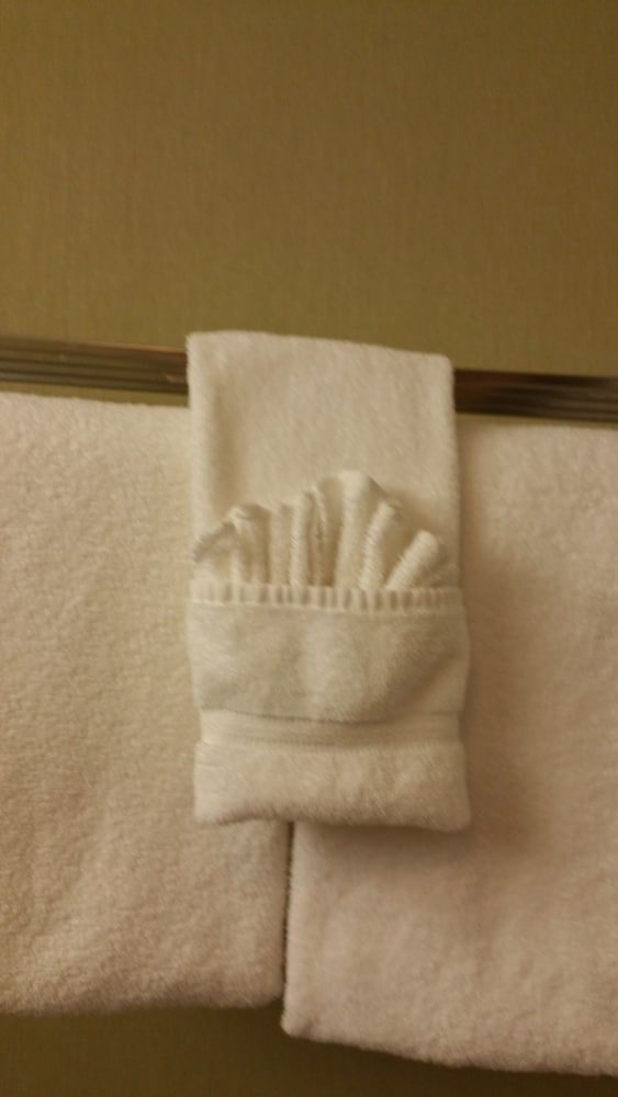 Bathroom Amenities, Mariposa Hotel