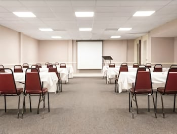 Meeting Facility, Ramada Hotel & Conference Center by Wyndham Paintsville