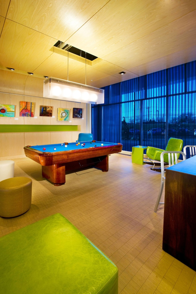 Billiards, Aloft Mount Laurel