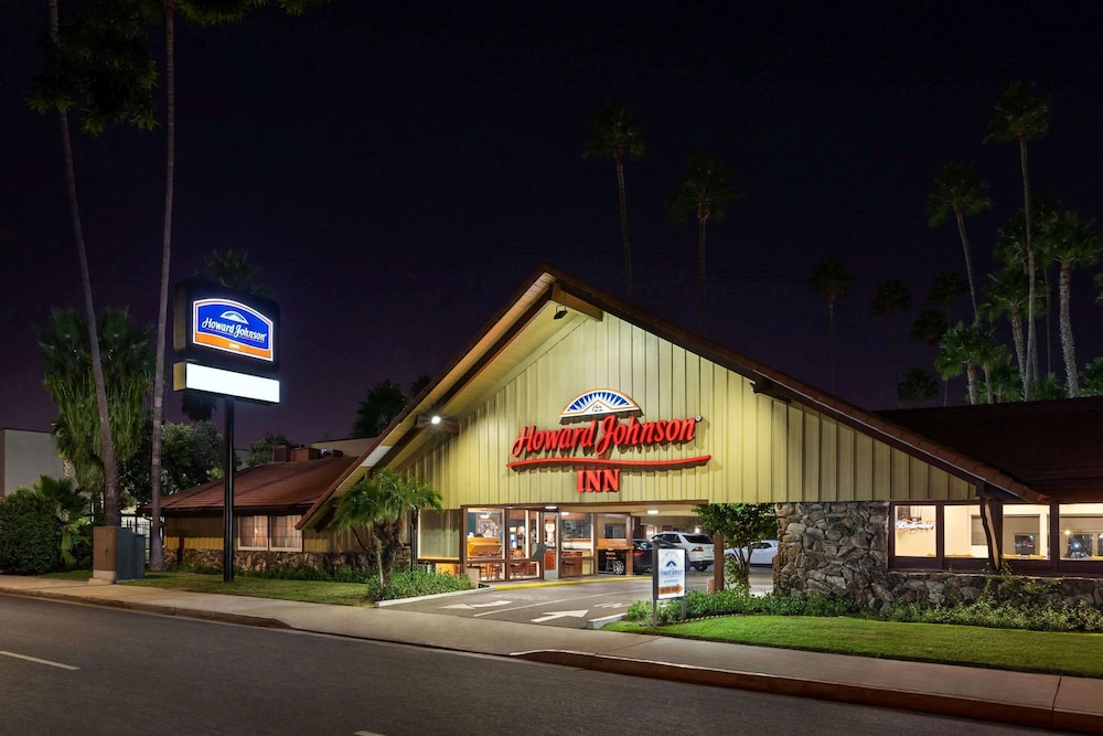 Howard Johnson By Wyndham San Diego State University Area In San