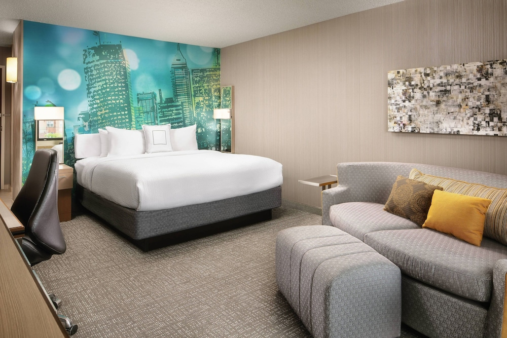 Room, Courtyard by Marriott Indianapolis at the Capitol