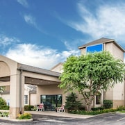 Baymont Inn & Suites by Wyndham Mukwonago