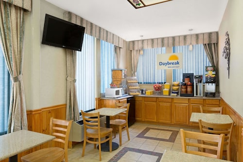 Great Place to stay Days Inn by Wyndham Biscoe near Biscoe