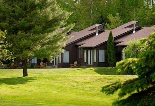 Pinestone Resort and Conference Centre
