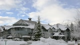 ResortQuest at Glacier Lodge - Whistler Hotels