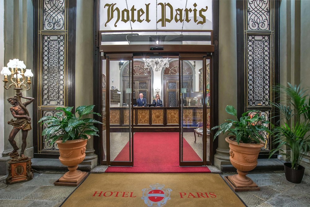 Interior Entrance, Hotel Paris