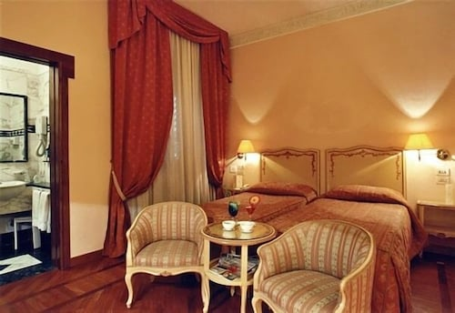 Room, Hotel Pierre