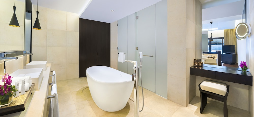 Bathroom, The Andaman, a Luxury Collection Resort, Langkawi