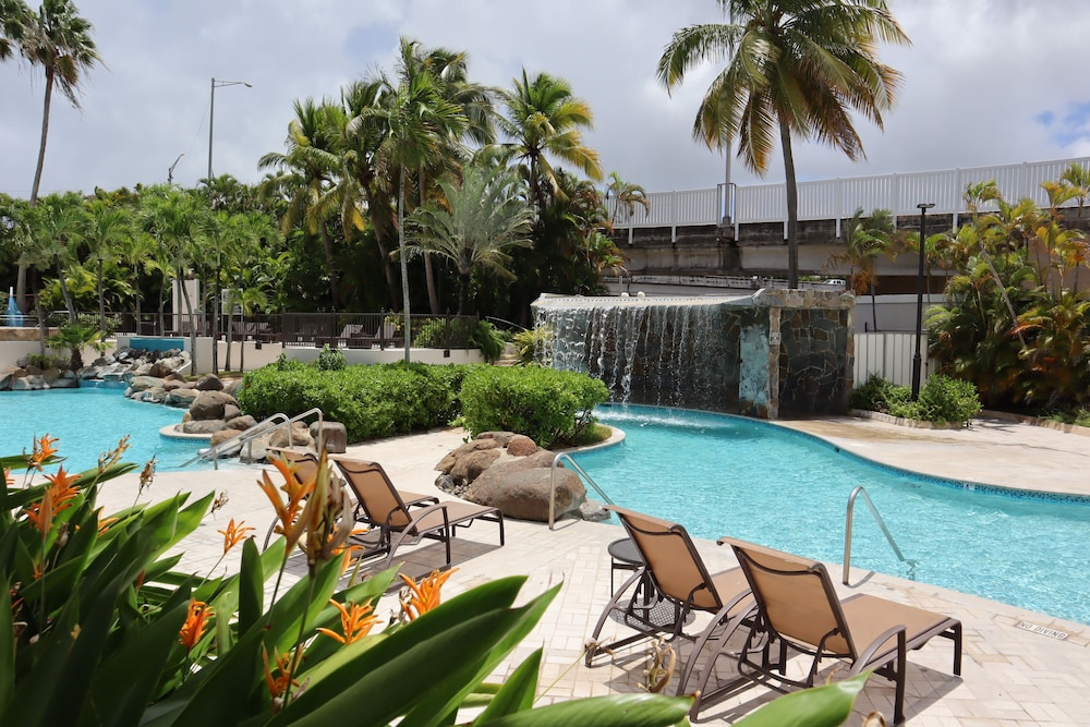 Sundeck, Embassy Suites by Hilton San Juan Hotel & Casino