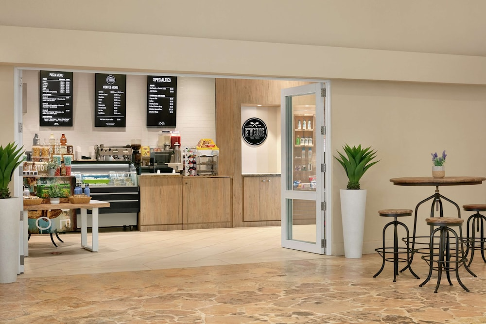 Coffee Shop, Embassy Suites by Hilton San Juan Hotel & Casino