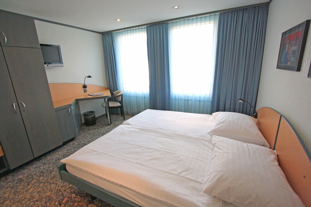 Room, Hotel City Oberland