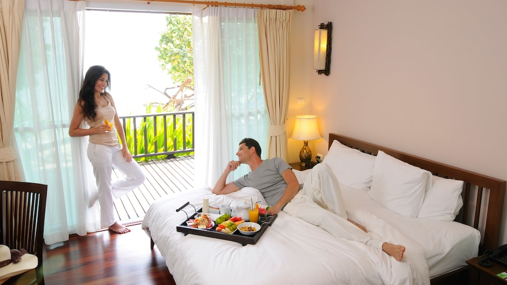 Room Service - Dining, Holiday Inn Resort Phi Phi Island